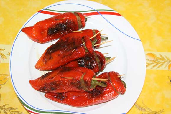Easy Recipe for Stuffed Capsicum with Potatoes - 6 Aug 11