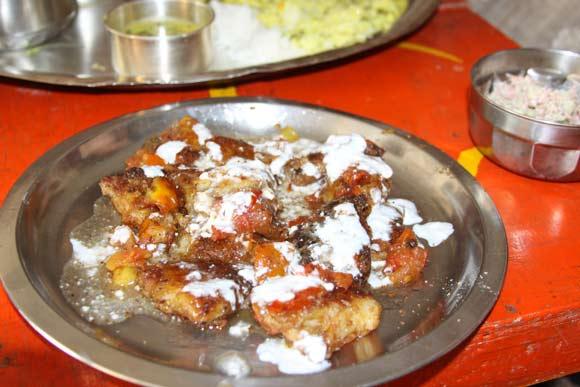 Aloo Bhalla Recipe - Aloo Tikki - Dahi Bhalle - Potato Pancakes - 3 Sep 11