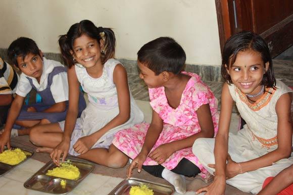 Die Reichen entscheiden für die Armen - Armut in Indien - 27 Sep 11
