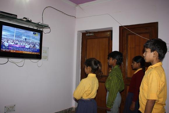 Unverantwortliche indischen Medien - Fernsehsendungen voller Magie und Aberglaube - 17 Nov 11