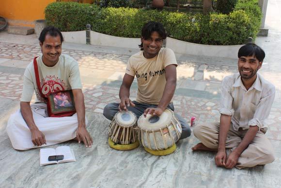 In Indien bedient zu werden ist seltsam? Kultur und soziale Situationen verstehen - 6 Dez 11