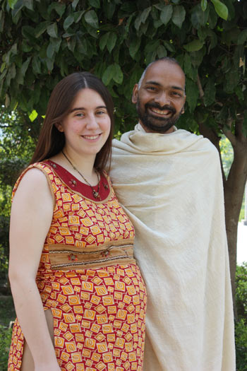 Hospitals and Doctors ask pregnant Women: Caesarian Section or Natural Birth? - 8 Dec 11