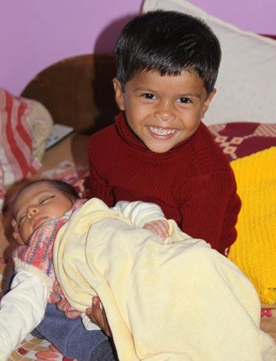 Ein Baby in einer großen Familie - Hilfe für Eltern und Freude für Alle - 7 Feb 12