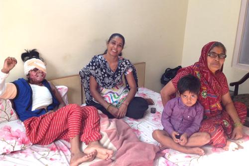 दूसरी सफल शल्यक्रिया के बाद मोनिका पुनः स्कूल आने लगी है - 3 जुलाई 2015